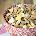 Crock-Pot Cinnamon Apple Chex Mix