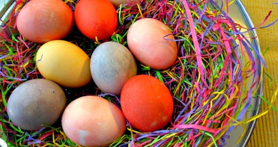 Crock-Pot Kool-Aid Dyed Easter Eggs