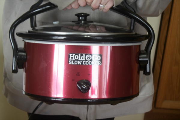 Hold & Go Slow Cooker - Easy To Hold!