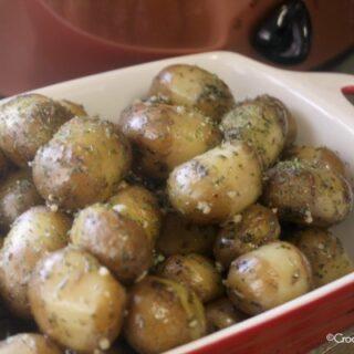 Crock-Pot Garlic Parsley Potatoes