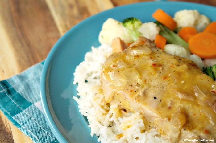 Crock-Pot Creamy Italian Pork Chops - With just 5 ingredients this quick and easy recipe for Slow Cooker Creamy Italian Pork Chops is simple to put together and the pork chops come out moist and tender and full of flavor! | CrockPotLadies.com