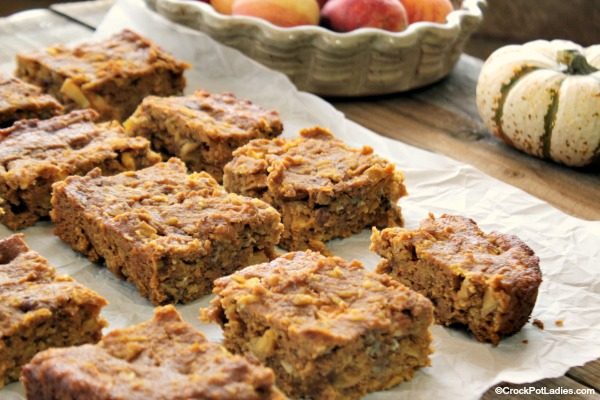 Crock-Pot Pumpkin Apple Harvest Snack Cake - Eat a slice of this healthy and easy to make Crock-Pot Pumpkin Apple Harvest Snack Cake for a snack, dessert or even breakfast. Filled with pumpkin, spices, apples, and nuts (if you want them) this moist cake is delicious. [High Fiber, Low Calorie,Low Fat, Low Sodium &Vegetarian]