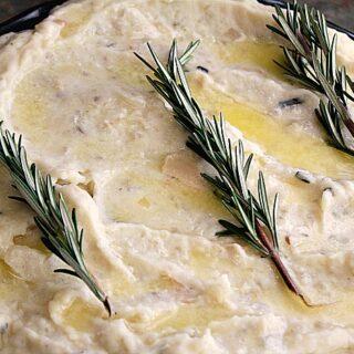 Crock-Pot Garlic Rosemary Mashed Potatoes