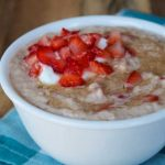 Crock-Pot Strawberries & Cream Oatmeal